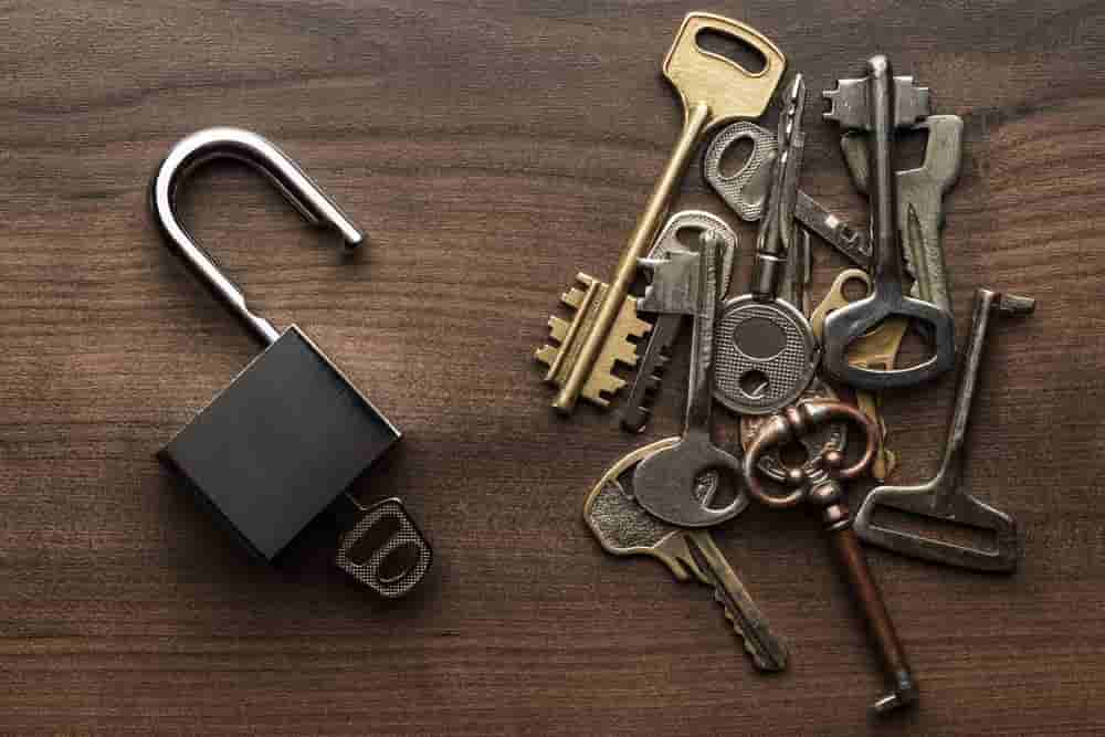 Why You Should Hire A Locksmith